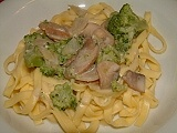 Tagliatelle with mushroom and broccoli sauce